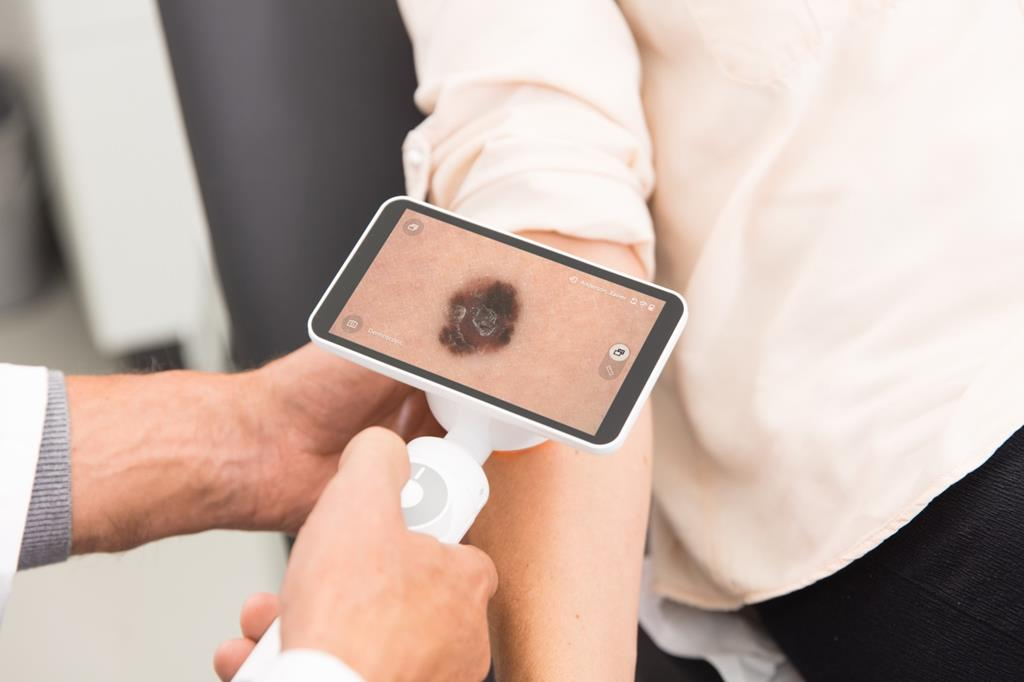 Why dermatologists should not wait to go digital - News - Barco