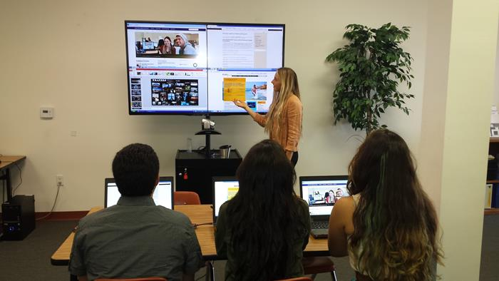 ClickShare at Charter School of San Diego