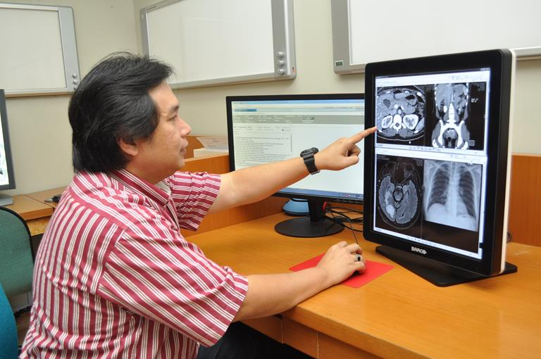 RSPI Pondok Indah hospital updating to the Barco Nio 5MP LED Medical Displays