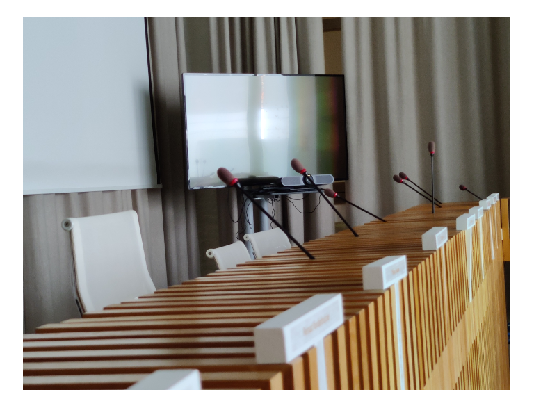 Smarter hybrid meetings at Menin City council