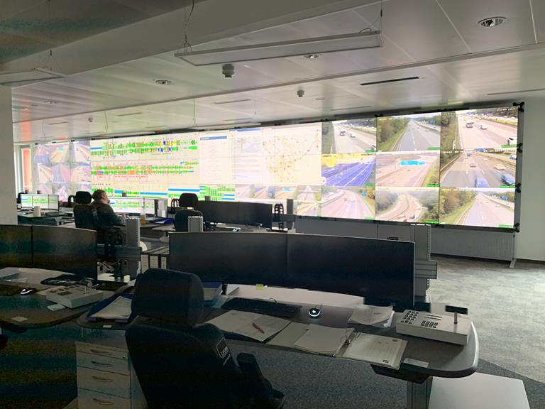 Traffic management center keeps 335,000 vehicles moving 24/7 at the Frankfurter Kreuz interchange