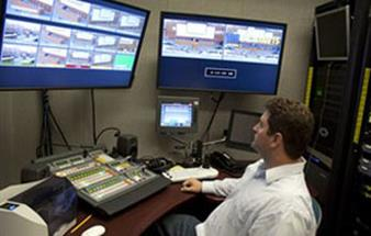 Law school goes live with Barco FSN
