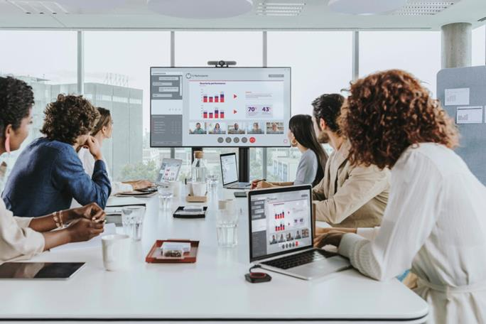 Make collaboration richer with the new ClickShare App - Barco
