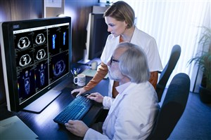 Barco medical displays enable accurate diagnoses at radprax